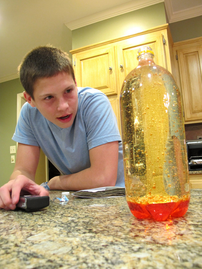Homemade Lava Lamp - Hiccup's Science Workshop